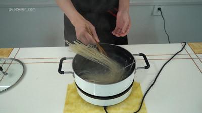 如何浸泡干米粉