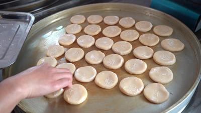 如何烤制绿豆饼