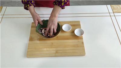 鱿鱼须的腌制方法