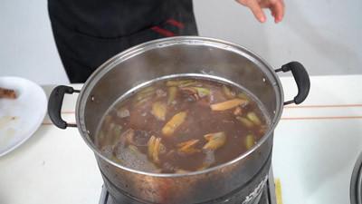 卤汁制作+鸭肉卤制